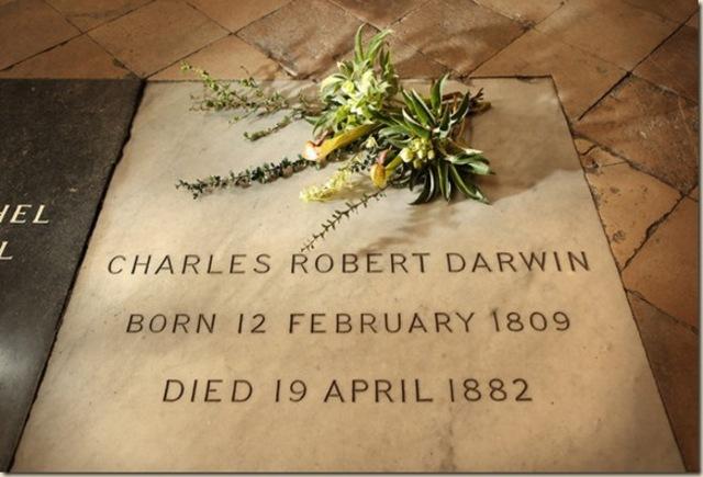 Fallece Charles Darwin