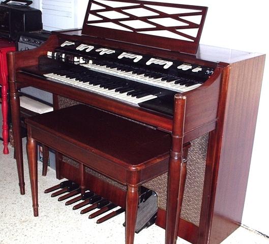 Hammond Organ.