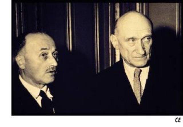 Schuman hace una declaracion ante mas de doscientos periodistas junto con Jean Monnet