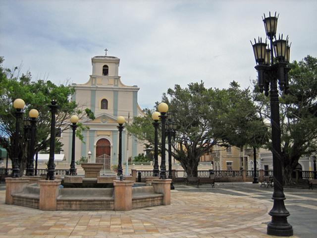 Nombre de la plaza publica