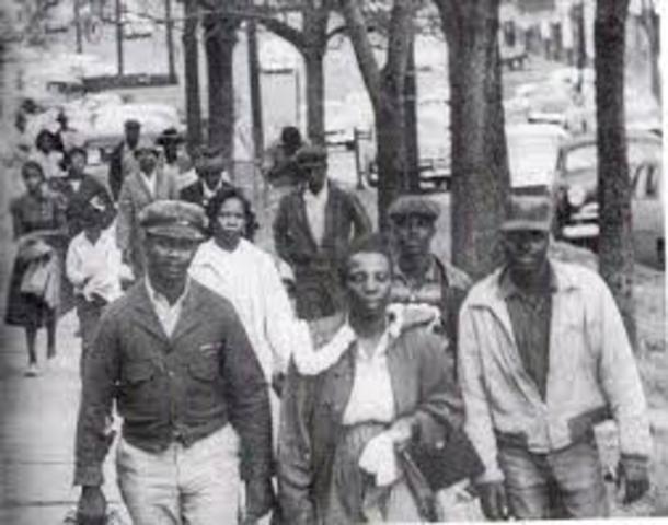 Montgomery Bus Boycott Starts