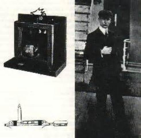 Marconi y el radiotransmisor.