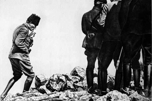Mustafa Kemal is sent to handle civil war in Anatolia
