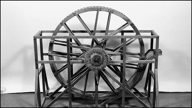 31 e. Kr. I Kina uppfanns ett komplicerat vattendriven kraftverk