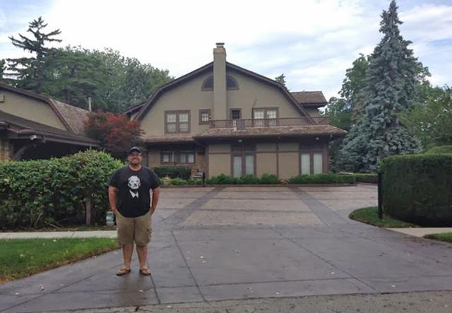 Vistiing Warren Buffet's House