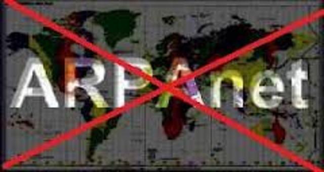 ARPANET deja de existir