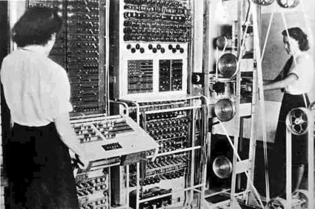 El Colossus primeros dispositivos calculadores electrónicos usados por los británicos