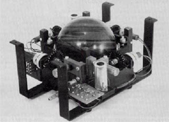 Microprocesador y mouse (Compañia intel 3 y Douglas engelbart)