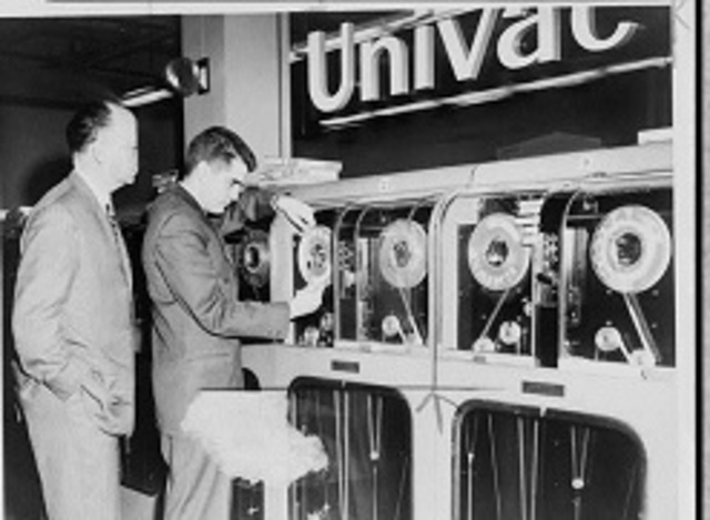 Univac -- John Mauchly y Prespert Ecker