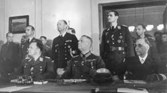 la Germania firma la sua resa incondizionata.