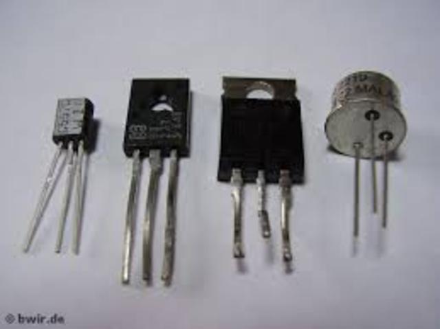 Viene realizzato il Transistor, il predecessore del microchip.