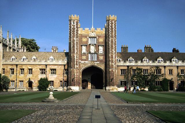 Isaac Newton enters Trinity College in Cambridge, England