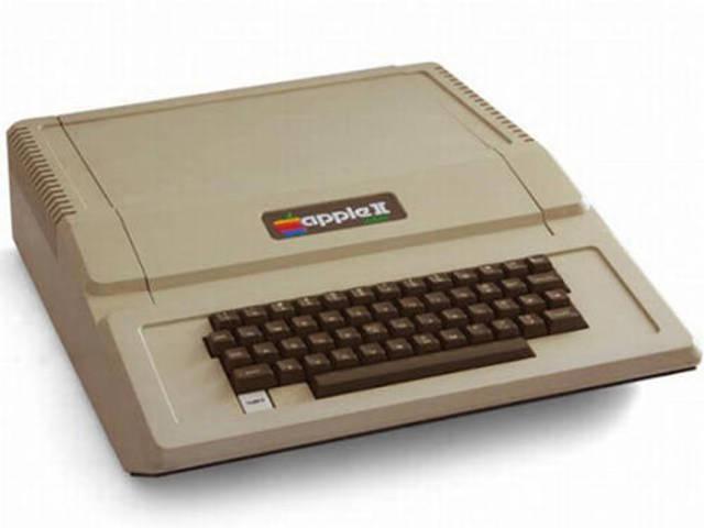 Apple presenta el primer computador personal , el Apple II.