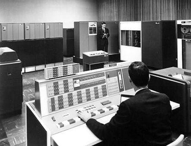 Primer correo electronico enviado (1961)