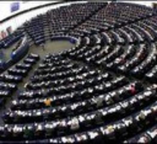 La CEE se quita dominando las otras comunidades europeas