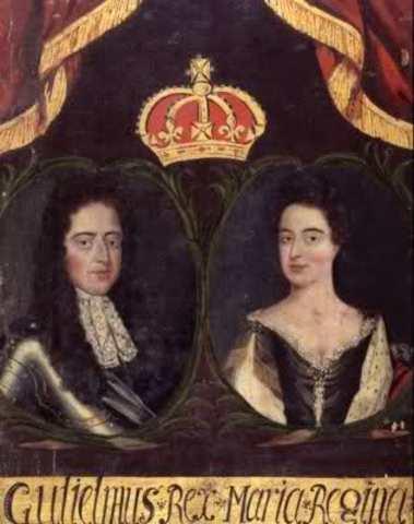 Guillermo de Orange y Maria II ascienden al trono.