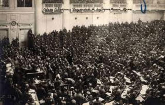 Comienza la Revolución Bolchevique