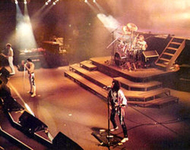 Queen (rock)