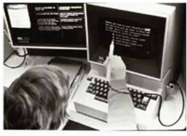1958-Aparece el primer programa para la enseñanza dedicado a la aritmética binaria