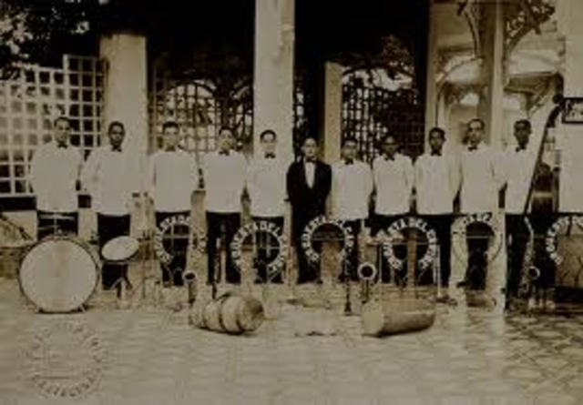 Se creo la orquesta del caribe de Lucho Bermudez