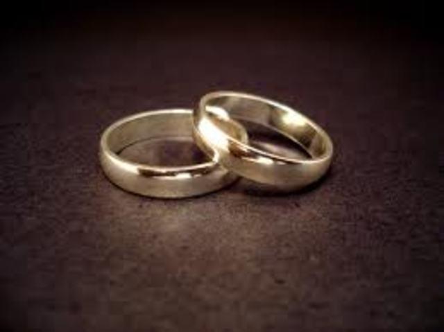 Vladek marries Anja