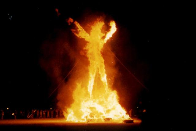 house burning & people killing