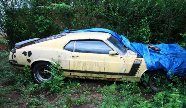 Rangers find abandonded car.