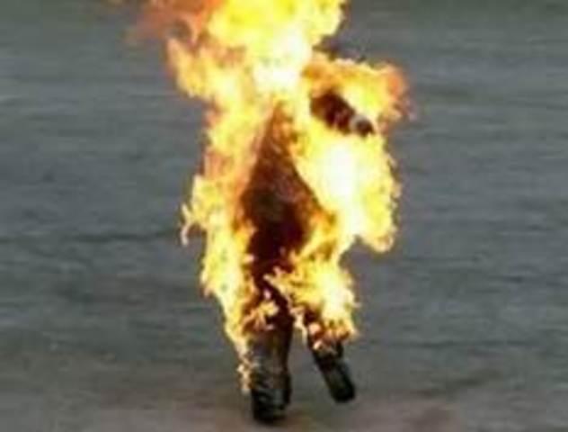 Montag burns Beatty