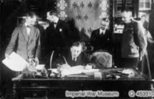 turquía firma el armisticio.