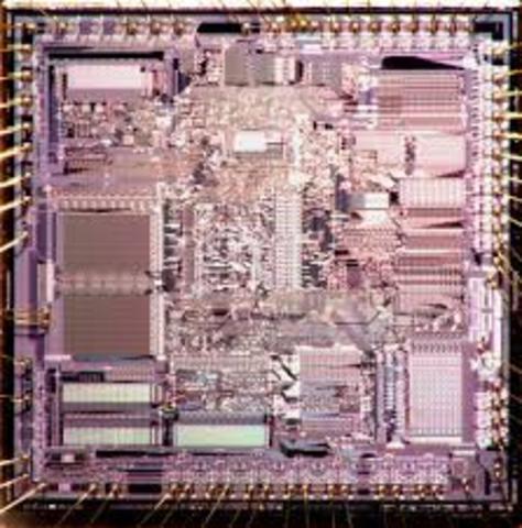 IBM presenta el PC-AT, con procesador Intel 80286