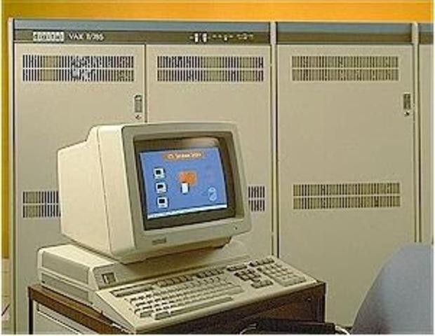minicomputadora de 32 bits, la VAx-11/780