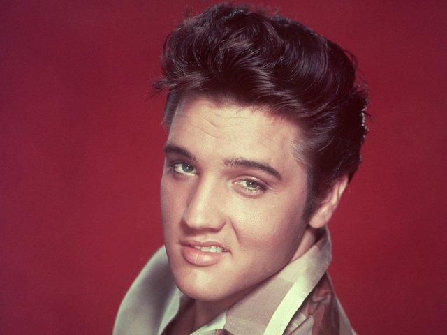 """Elvis Presley releases """"Don't Be Cruel"""""""