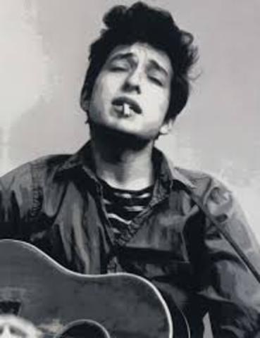Bob Dylan brings an electric band to Newport Folk Festival