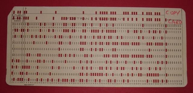 se desarrola el sistema de tarjetas perforadoras para registar datos