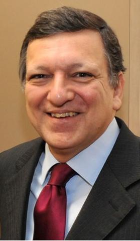 Durão Barroso toma posse do cargo de Primeiro-Ministro