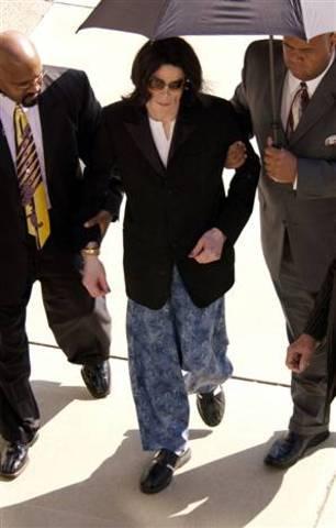 Day Nine: Michael Jacsons Trial (2005)