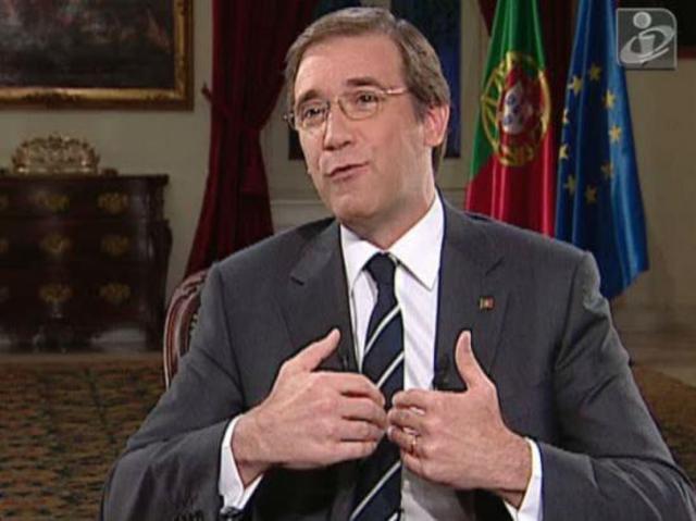 Pedro Passos Coelho derrota José Sócrates e toma posse do cargo de Primeiro-Ministro