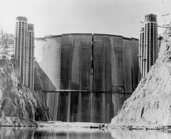 The Hoover Dam is Opened (P1)