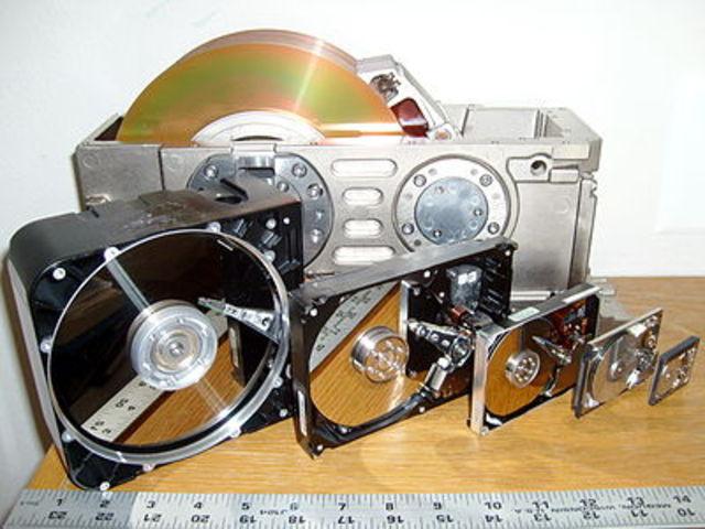 Первый сирийный жесткий диск, США