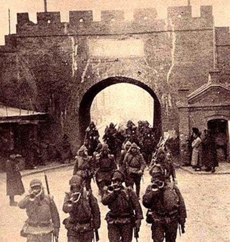 The Japanse invade Manchuria