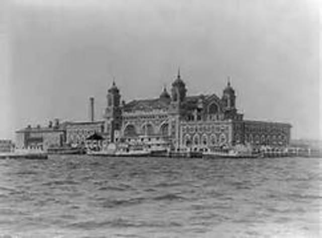 Ellis Island, immigrant station