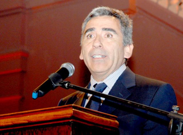 Rector Carlos Pena Gonzalez