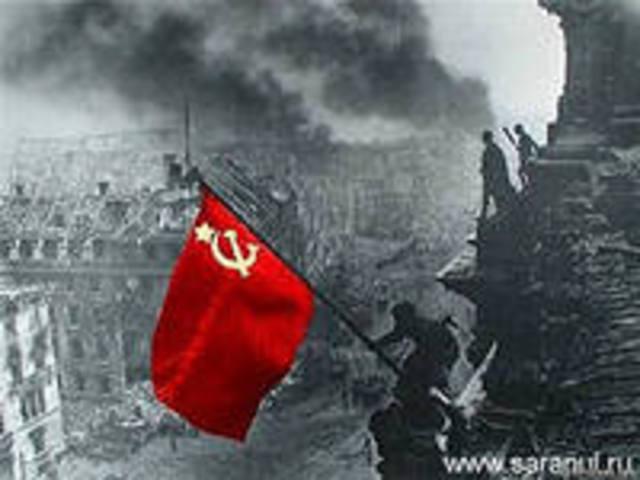 Die Sergeanten Militon Kantaria und Michail Jegorow hissten auf dem Reichstag das rote Siegesbanner. Und Adolf Hitler beging Selbstmord.