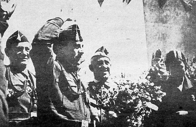 La organización de ultraderecha Falange Española Tradicionalista y de las JONS constituye la Junta Nacional de la Vieja Guardia
