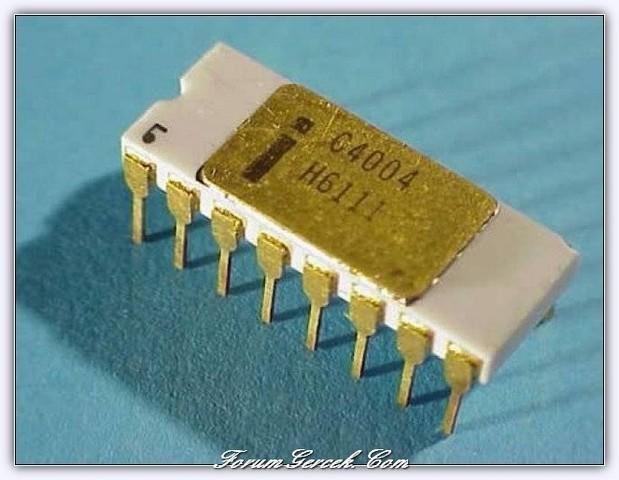 Первый четырехразрядный микропроцессор