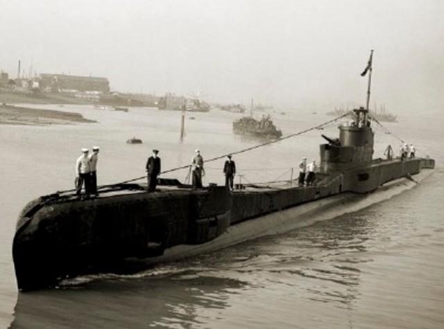 Germany declares a submarine blockade of Great Britain.
