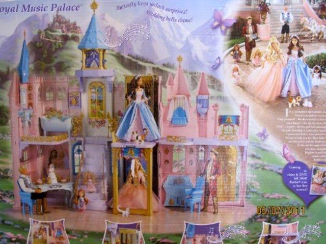 """Get a Barbie """"Princess & The Pauper"""" Castle"""