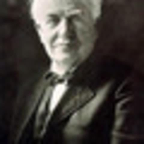 Thomas Edison inventa la bombilla