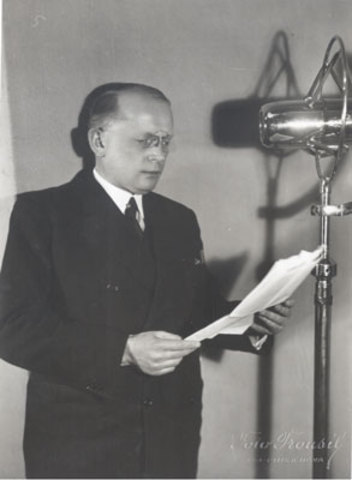 first radio transmission of music