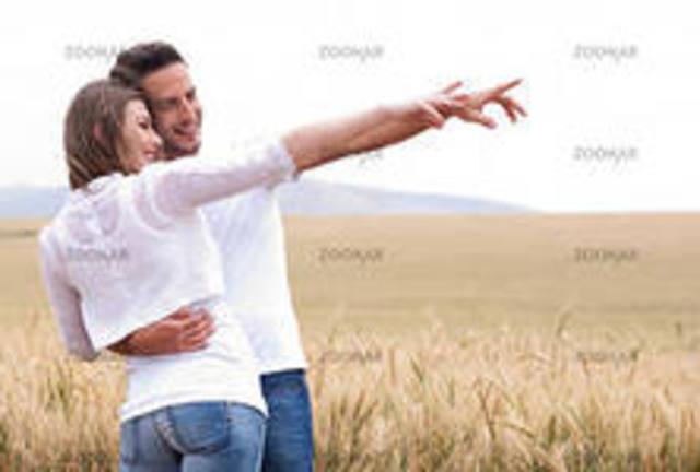 Der Junge und das Mädchen müssen zusammen die Einzelfamilie bilden.